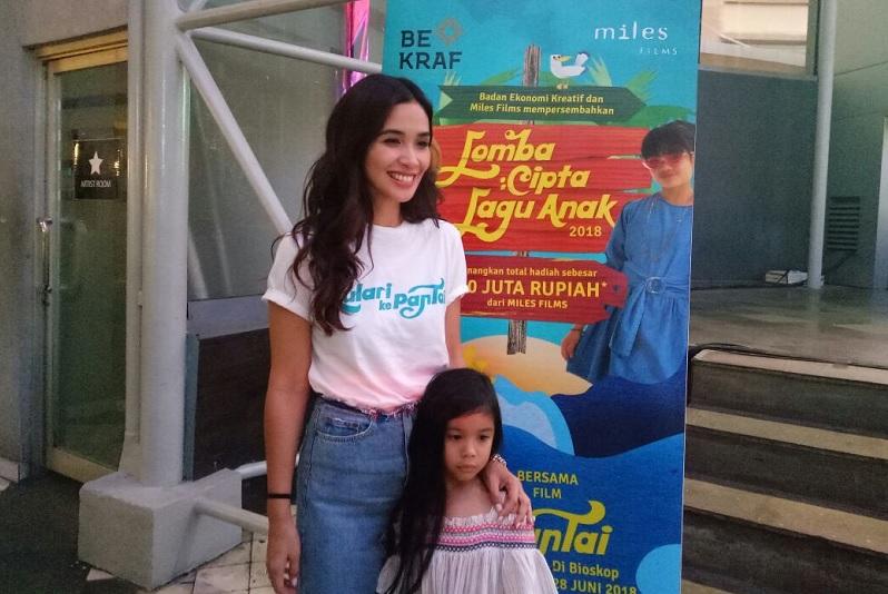 https: img.okeinfo.net content 2018 05 25 206 1902459 marsha-timothy-senang-film-anak-indonesia-mulai-bergeliat-2uq5k47afy.jpg