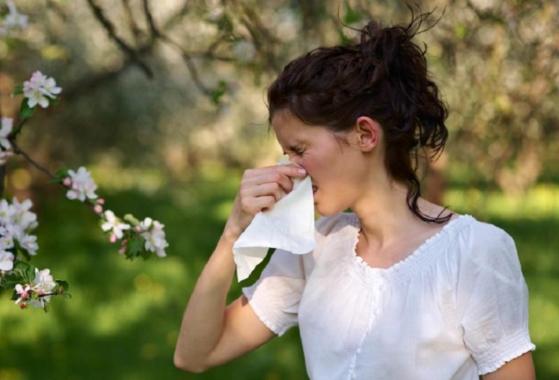 https: img.okeinfo.net content 2018 06 02 481 1905648 kenali-gejala-hay-fever-yang-buruk-dan-cara-mengatasinya-nP4T0ChQTA.jpg