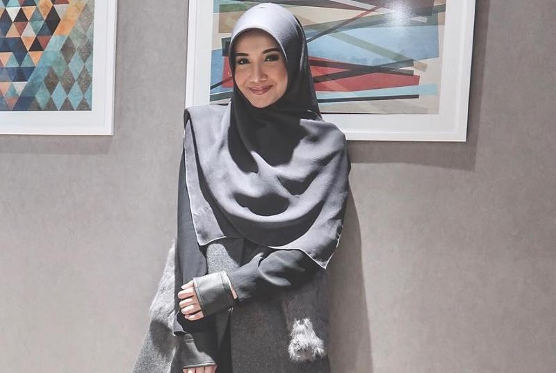 Hijab Syari Zaskia Sungkar Hijabfest