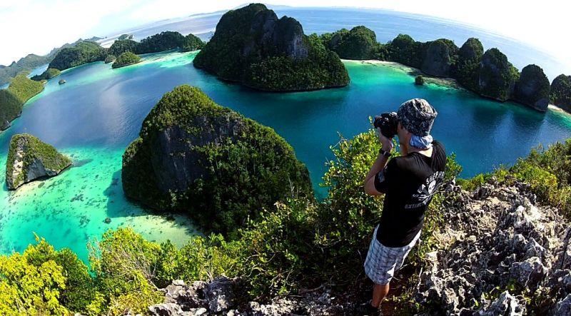 https: img.okeinfo.net content 2018 06 05 406 1907049 3-perilaku-wisatawan-yang-rusak-surga-kecil-di-indonesia-banyak-yang-lolos-tanpa-dihukum-ZiW1ztMLeL.jpg