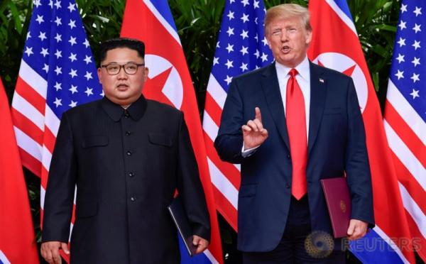 https: img.okeinfo.net content 2018 06 12 18 1909722 usai-ktt-di-singapura-trump-berencana-kunjungi-kim-jong-un-di-pyongyang-pbTA5SFcc4.jpg