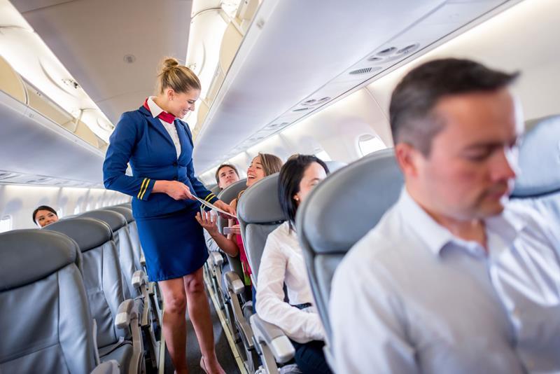 https: img.okeinfo.net content 2018 06 12 406 1909796 tips-dari-awak-kabin-saat-bepergian-dengan-pesawat-udara-F9jiXYGF1O.jpg