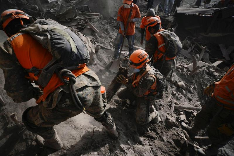 https: img.okeinfo.net content 2018 06 18 18 1911296 110-orang-tewas-akibat-erupsi-gunung-api-fuego-di-guatemala-ULhCZ3nlb4.jpg