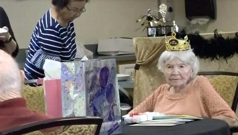 https: img.okeinfo.net content 2018 06 21 481 1912172 nenek-ini-bocorkan-rahasia-umur-panjang-hingga-105-tahun-BbR1yQBKsk.jpg