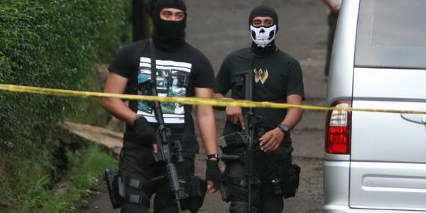https: img.okeinfo.net content 2018 06 22 525 1912922 terduga-teroris-yang-ditembak-mati-di-pamanukan-jaringan-jad-lrTIDTb7S8.jpg