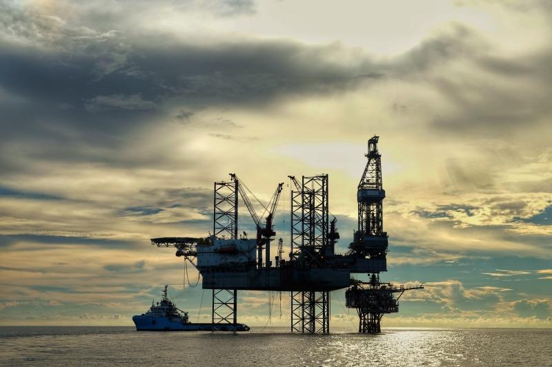 https: img.okeinfo.net content 2018 06 29 320 1915525 harga-minyak-naik-di-tengah-kekhawatiran-sanksi-as-Ishcwn4ASz.jpg