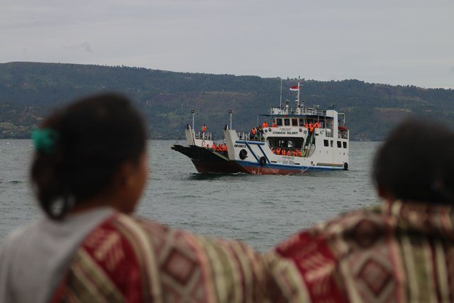 https: img.okeinfo.net content 2018 06 29 340 1915899 ombudsman-seluruh-pelabuhan-di-danau-toba-langgar-aturan-pelayaran-dan-kepelabuhanan-zmDdv7KH18.jpg
