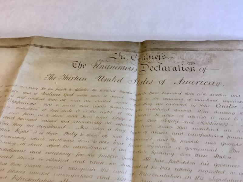 https: img.okeinfo.net content 2018 07 05 18 1918263 perkamen-langka-salinan-deklarasi-kemerdekaan-as-ditemukan-di-inggris-o1CbuJBAvR.jpg