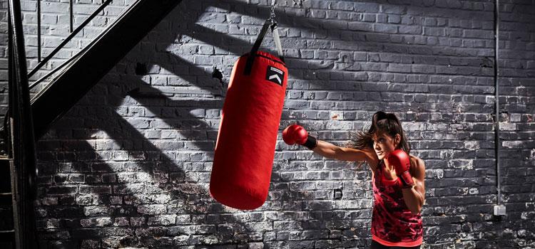 https: img.okeinfo.net content 2018 07 05 481 1918225 mau-mulai-latihan-boxing-kenali-dulu-4-gerakan-dasarnya-j9ZTmAJ8LZ.jpg