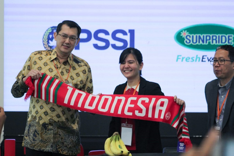 https: img.okeinfo.net content 2018 07 05 557 1918273 komitmen-sunpride-dan-pssi-membuat-sepakbola-indonesia-lebih-baik-XDoZNYB4v0.jpg