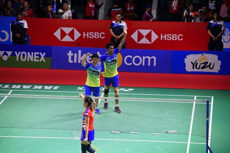 https: img.okeinfo.net content 2018 07 08 40 1919612 tontowi-liliyana-lega-bungkam-keangkeran-istora-usai-juara-indonesia-open-2018-IDWobUJvm0.jpeg