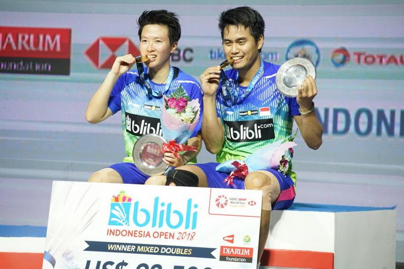 https: img.okeinfo.net content 2018 07 09 40 1919693 gelar-juara-indonesia-open-2018-jadi-perpisahan-manis-untuk-liliyana-natsir-uyAiebKfw0.jpg