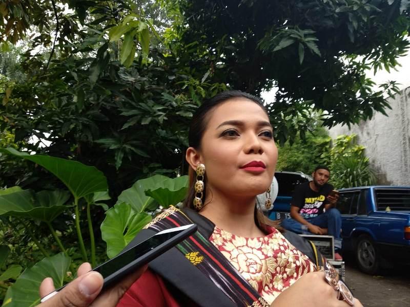 https: img.okeinfo.net content 2018 07 10 205 1920536 jebolan-indonesian-idol-bakal-nyanyikan-single-baru-bersatulah-indonesia-3BLbNwVztC.jpeg