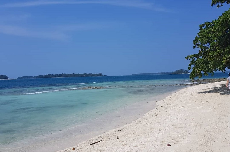 https: img.okeinfo.net content 2018 07 11 406 1920730 berwisata-ke-pulau-tongkeng-salah-satu-pulau-tidak-berpenghuni-di-jakarta-UnSH6clzvX.jpg