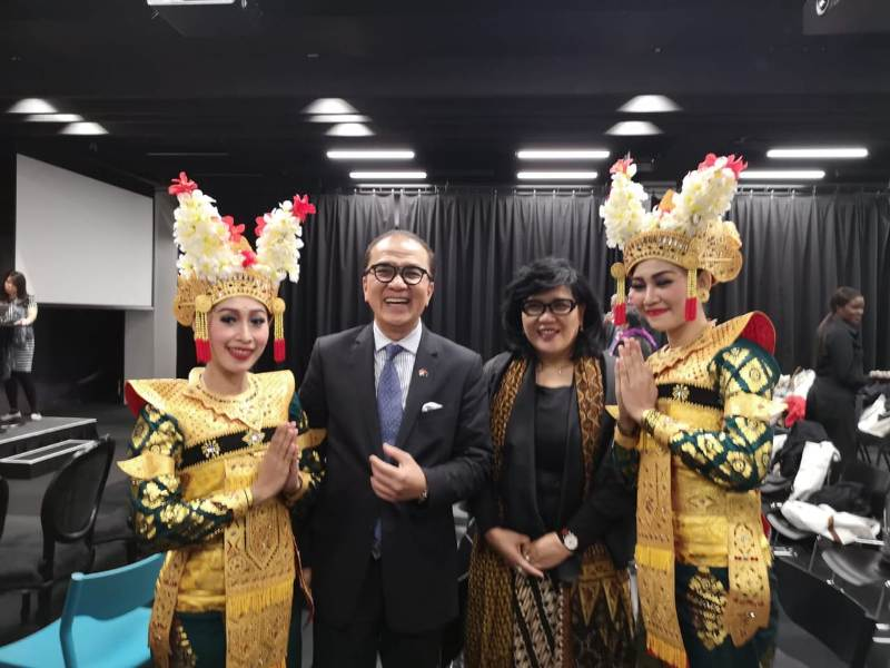 https: img.okeinfo.net content 2018 07 12 18 1921525 dubes-tantowi-optimis-jumlah-turis-selandia-baru-ke-indonesia-akan-lampaui-target-HsRZSVm1KX.jpeg