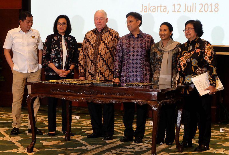 https: img.okeinfo.net content 2018 07 12 320 1921614 negosiasi-6-5-tahun-adkerson-akui-kegigihan-indonesia-ambil-alih-saham-freeport-TUuQ5qjIi3.jpg