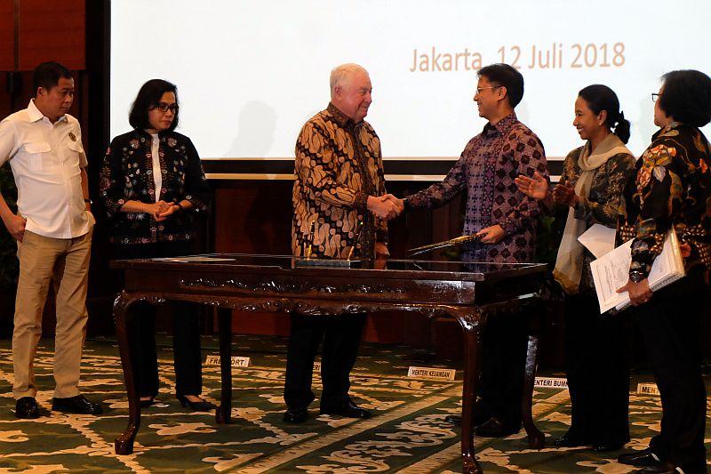 https: img.okeinfo.net content 2018 07 12 320 1921642 indonesia-bakal-kantongi-rp864-triliun-dari-freeport-hingga-2041-EfP860ZA5t.jpg