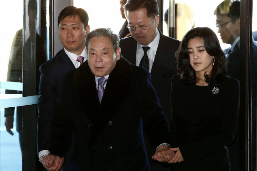 https: img.okeinfo.net content 2018 07 13 320 1922088 bos-samsung-jadi-orang-paling-kaya-di-korea-selatan-D2VlCO4hSZ.jpg
