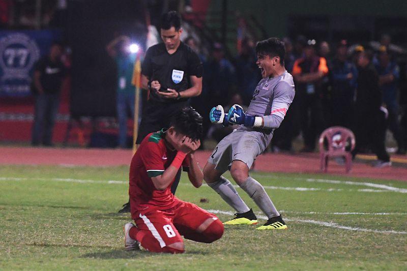https: img.okeinfo.net content 2018 07 13 51 1921730 ditekuk-malaysia-lewat-adu-penalti-timnas-indonesia-u-19-sampaikan-permintaan-maaf-kALRuDpGvM.jpg