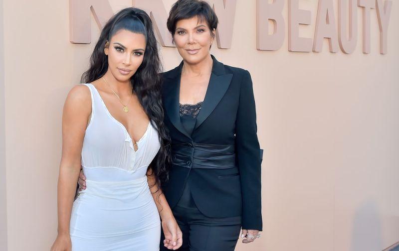 https: img.okeinfo.net content 2018 07 16 194 1922872 mantan-pengasuh-akui-bekerja-untuk-keluarga-kardashian-adalah-pekerjaan-sulit-mTxu5lTQFP.jpg