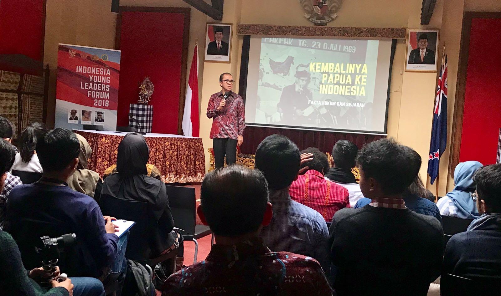 https: img.okeinfo.net content 2018 07 23 65 1925930 tumbuhkan-jiwa-nasionalisme-mahasiswa-indonesia-di-selandia-baru-ikuti-pembekalan-bela-negara-zM18clBw8z.jpg