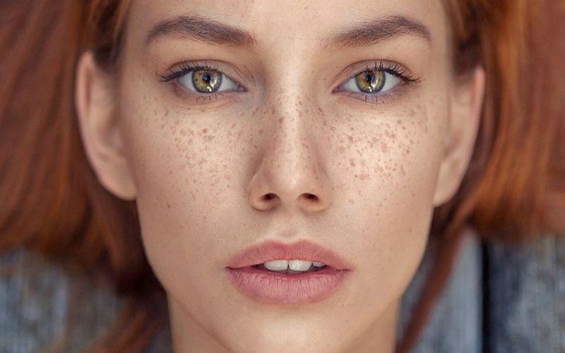 https: img.okeinfo.net content 2018 07 24 194 1926463 titi-kamal-luna-maya-hingga-chelsea-islan-ikutan-tren-make-up-freckles-lebih-cantik-siapa-upkSUz7Ou1.jpg