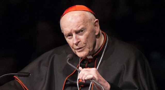 https: img.okeinfo.net content 2018 07 29 18 1928781 kardinal-theodore-mccarrick-mundur-dari-college-of-cardinals-KM1g1fe9TR.jpg