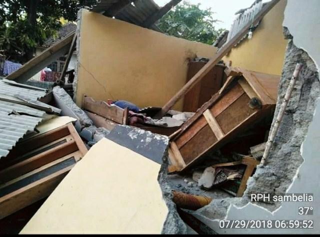 https: img.okeinfo.net content 2018 07 29 340 1928851 korban-tewas-gempa-lombok-bertambah-jadi-10-orang-oY1lqU4KmF.jpeg