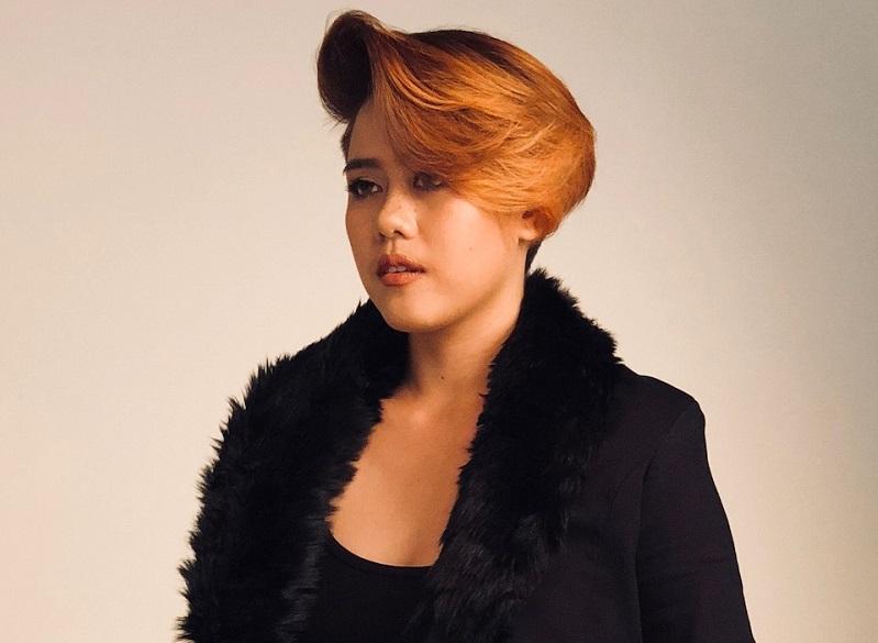https: img.okeinfo.net content 2018 08 01 194 1930427 wavy-hair-dan-warna-coklat-bakal-jadi-tren-rambut-2019-seperti-ini-look-nya-Y7yOsMMqcA.jpeg