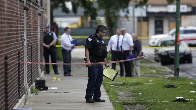https: img.okeinfo.net content 2018 08 06 18 1932648 34-orang-ditembak-di-chicago-dalam-24-jam-5-tewas-xvV76tBPEB.jpg