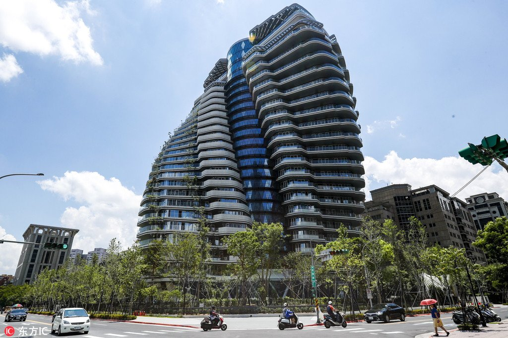 https: img.okeinfo.net content 2018 08 10 470 1934870 apartemen-ini-tampak-mau-ambruk-tapi-harganya-rp427-miliar-uPEcouNAJ1.jpg