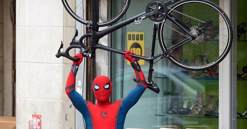 https: img.okeinfo.net content 2018 08 11 206 1934985 kehilangan-spider-man-sony-picture-justru-dapat-akses-ke-900-karakter-marvel-xqOLzpTkOV.jpg