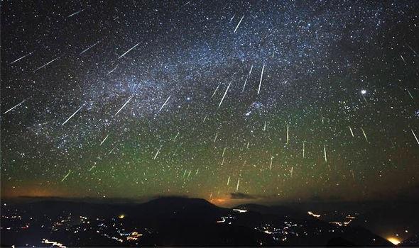 https: img.okeinfo.net content 2018 08 11 56 1935069 malam-ini-hujan-meteor-perseid-dapat-disaksikan-di-seluruh-wilayah-indonesia-32ZgfFIDP5.jpg