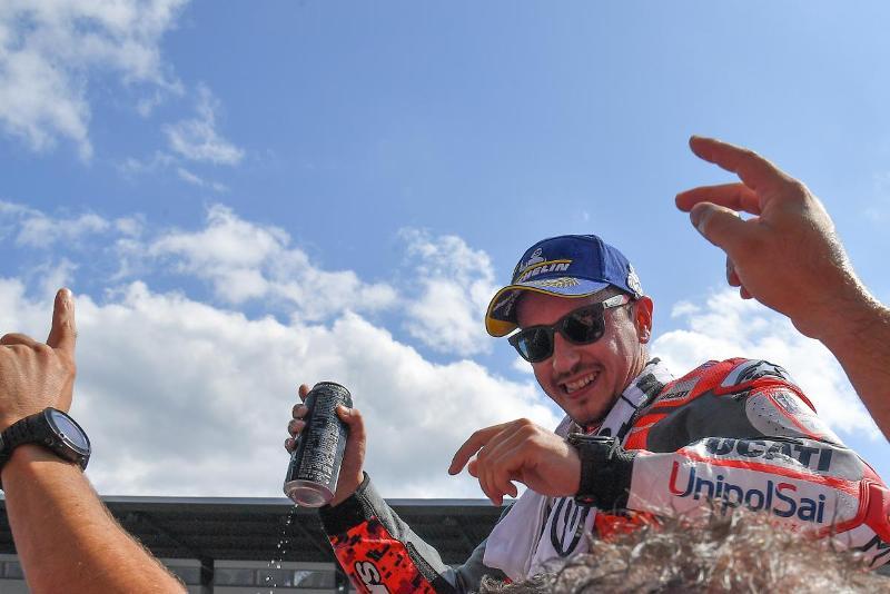 https: img.okeinfo.net content 2018 08 12 38 1935547 lorenzo-motogp-austria-2018-balapan-terbaik-saya-Bsfbdn2EYW.jpg