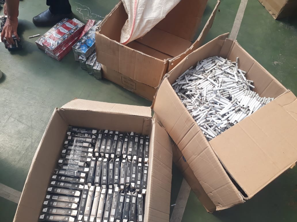 https: img.okeinfo.net content 2018 08 13 1 1935732 bea-cukai-malang-amankan-433-5-ribu-batang-rokok-ilegal-di-gondanglegi-uX7c8UYxy2.jpg