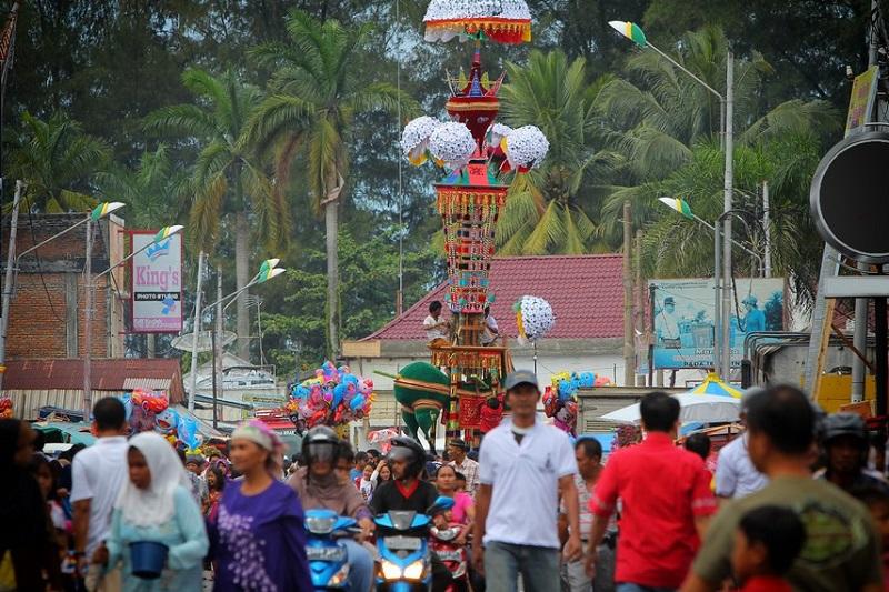 https: img.okeinfo.net content 2018 08 18 406 1938409 danau-sentani-cap-go-meh-hingga-tabuik-aneka-festival-kebudayaan-menarik-di-indonesia-xNshnxWZ1H.jpg