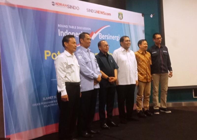 https: img.okeinfo.net content 2018 08 20 337 1939000 kkp-siap-bantu-kabupaten-pasangkayu-tingkatkan-tambak-udang-vaname-qBfvC1reMW.jpg