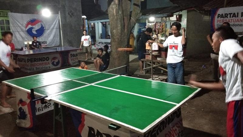 https: img.okeinfo.net content 2018 08 20 512 1939218 perindo-pekalongan-gelar-turnamen-tenis-meja-demi-meriahkan-hut-ri-cIEEMkBLlw.jpg