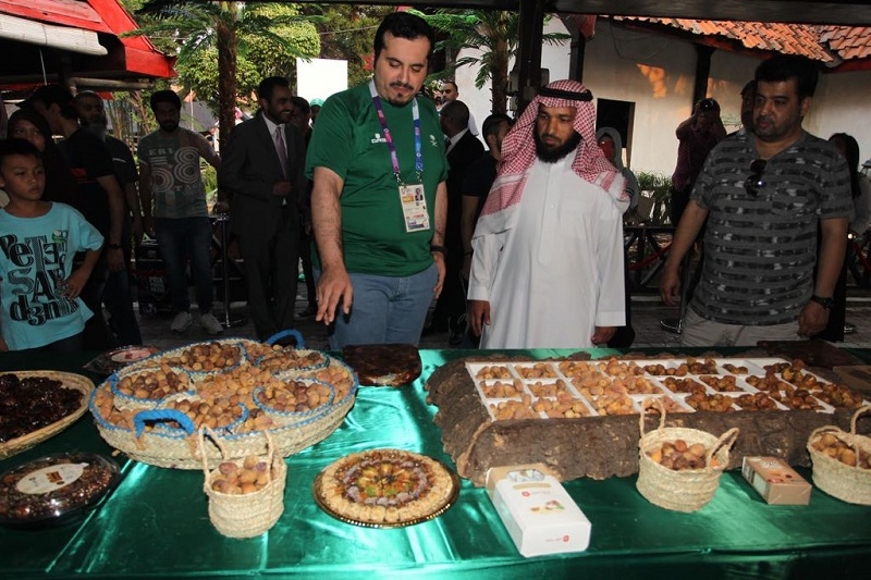 https: img.okeinfo.net content 2018 08 24 406 1941007 masuki-hari-ke-5-animo-masyarakat-kunjungi-festival-kerajaan-arab-saudi-di-jakarta-makin-meningkat-cBh8yKjwAc.jpeg