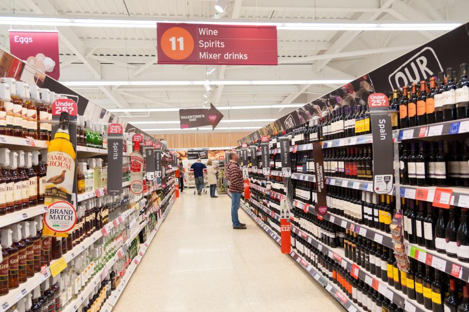 https: img.okeinfo.net content 2018 08 27 406 1941880 beberapa-trik-supermarket-ini-mampu-ubah-prilaku-belanja-anda-XQe0zctRUq.jpg