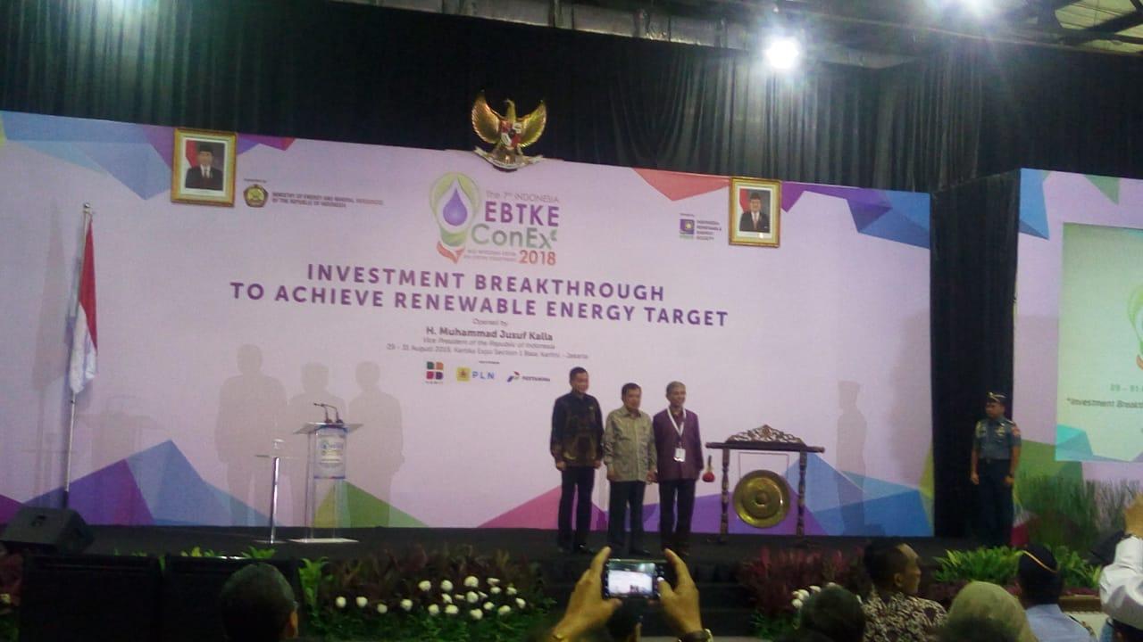 https: img.okeinfo.net content 2018 08 29 320 1942979 menteri-jonan-cari-terobosan-kembangkan-energi-terbarukan-di-indonesia-foS2kuxCXm.jpeg