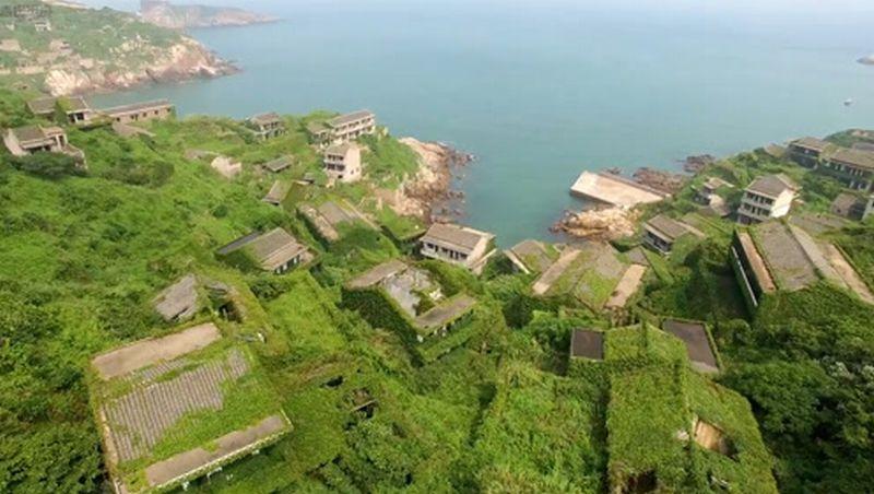 https: img.okeinfo.net content 2018 09 03 406 1945550 cantiknya-houtown-desa-paling-hijau-di-dunia-bvKs5PBSOr.jpg