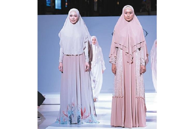 https: img.okeinfo.net content 2018 09 05 194 1946260 busana-muslim-syari-feminin-dan-nampak-elegan-96S9t8BqMW.jpg
