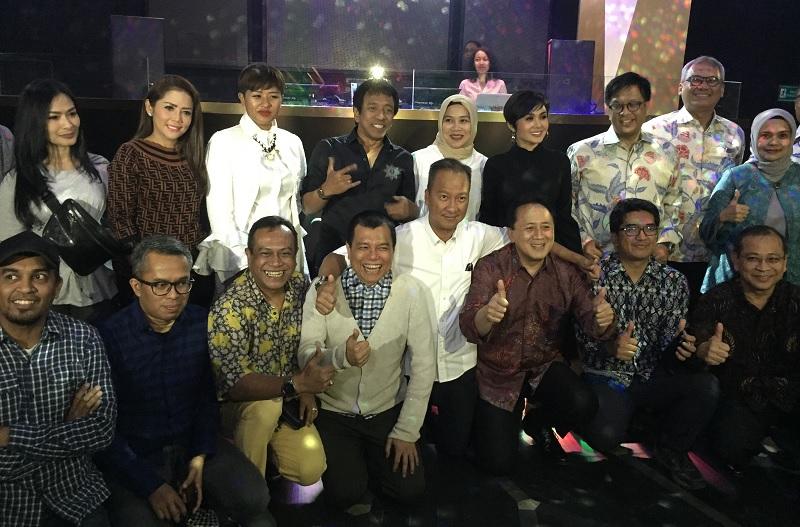 https: img.okeinfo.net content 2018 09 05 205 1946107 terkumpul-dana-rp3-1-miliar-dari-konser-kemanusiaan-untuk-lombok-tPAm0yyquI.jpg