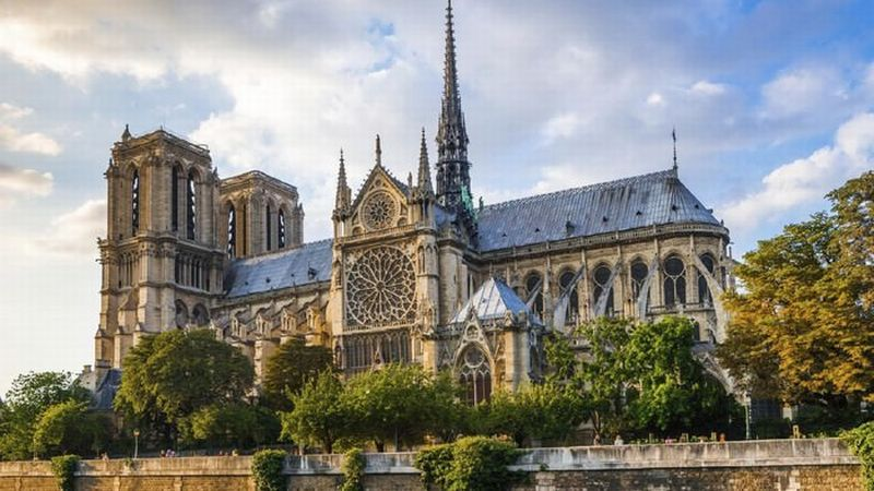 https: img.okeinfo.net content 2018 09 05 406 1946102 punya-arsitektur-unik-ini-5-gereja-yang-terkenal-keindahannya-bbWYMuEnzc.jpg
