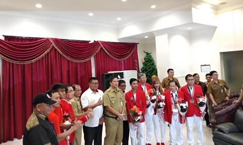 https: img.okeinfo.net content 2018 09 05 601 1946371 5-atlet-asal-sulut-peraih-medali-asian-games-2018-dapat-bonus-melimpah-e4ChoCGf69.jpeg