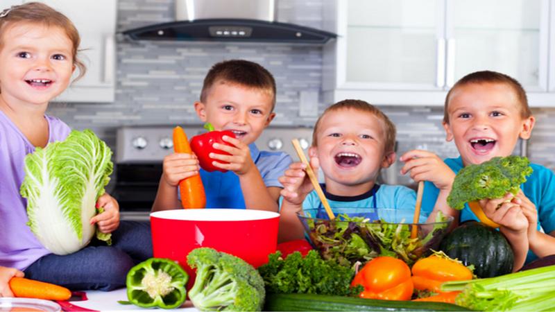 https: img.okeinfo.net content 2018 09 10 481 1948507 membiasakan-anak-konsumsi-makanan-sehat-dimulai-dari-rumah-k7q3dQRVAa.png