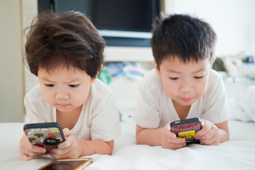 https: img.okeinfo.net content 2018 09 12 207 1949281 ini-konten-yang-dikonsumsi-anak-anak-saat-mengakses-internet-BFdNbyzTds.jpg