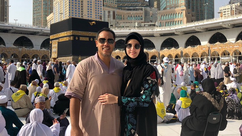 https: img.okeinfo.net content 2018 09 13 33 1950070 nia-ramadhani-bahagia-bisa-khusyuk-jalani-ibadah-haji-XIbhHENlBM.jpg