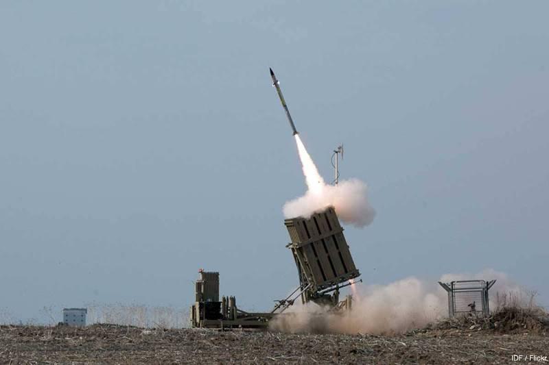 https: img.okeinfo.net content 2018 09 14 18 1950351 hubungan-makin-dekat-arab-saudi-beli-sistem-pertahanan-rudal-iron-dome-dari-israel-pUb4t8ID1M.jpg